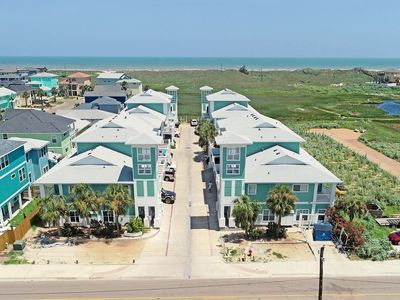 Photo for 3 bedroom mult- level condo in the heart of Port Aransas!