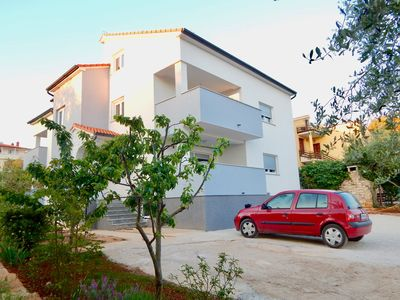 Photo for Comfortable holiday house with apartments / Amazing spacious apartment with patio and grill / A1