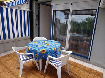 Photo for One bedroom apartment with terrace and sea view Ičići, Opatija (A-7860-a)