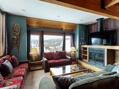 Photo for Chalet-style condo w/ ski-in/ski-out access and a private hot tub!