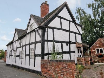 Photo for 2 bedroom property in Stafford. Pet friendly.