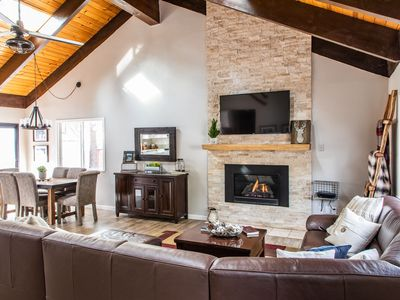 Photo for Beautifully Remodeled Cabin w/ in a mile of Heavenly