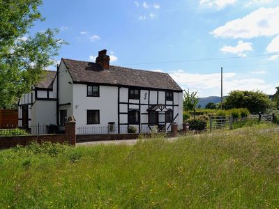 Photo for 4 bedroom property in Malvern. Pet friendly.