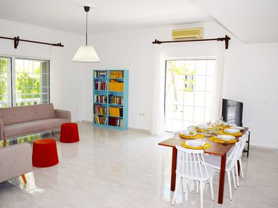 Photo for HRISI AKTI APT-CH,600m from sea,3bd modern flat.
