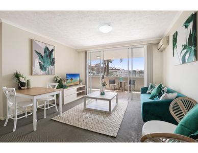 Photo for Sunny poolside retreat in the heart of the Valley