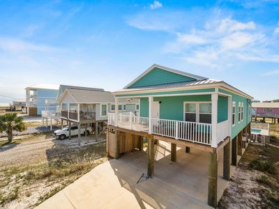 Photo for Beautiful 3 bedroom, 2 bath home with amazing Gulf and Bay Views and Private Pool