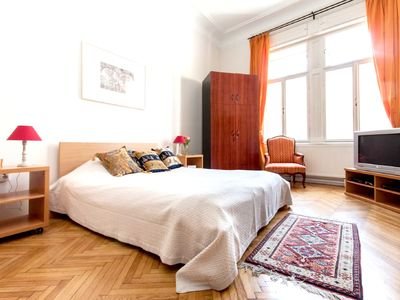 Homerez last minute deal - Spacious apt with terrace and balcony