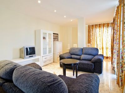 Photo for Club Villamar - Nice apartment with air conditioning, at 200m from the beach.