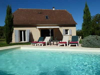 Photo for Independent house 8 pers. with private pool in quiet Loubressac