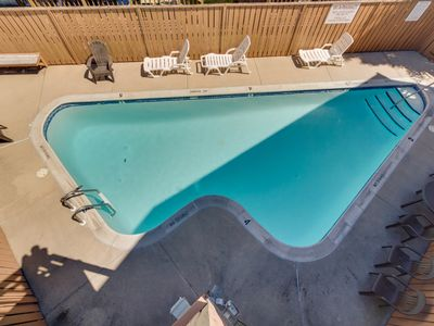 Photo for Convenient condo with a shared pool, three blocks from the beach!