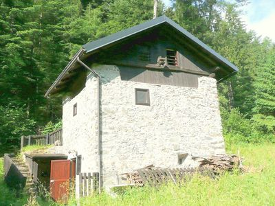 Photo for A rustic mountain hut in a sunny and ideal location