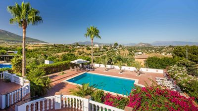 Photo for Villa in Alhaurin el Grande, Large Private Pool, Spectacular Mountain Views