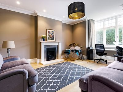 Photo for Spacious Chiswick Home with Private Terrace