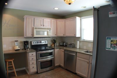 Kitchen Double oven, Cook Top, Dishwasher