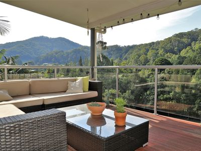 Photo for Family accomodation with pool & mountain views