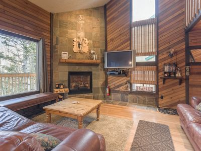 Photo for Condo, Snow Shoe 2B, 2 Fireplaces, Wi-Fi, Outdoor Grill, Balcony