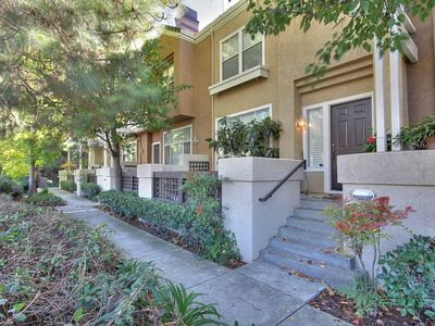 Photo for Beautiful Executive Office Townhouse Next to a Quiet Walking Trail