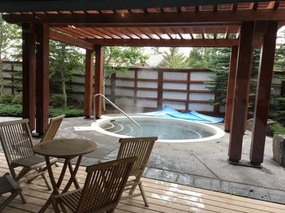 Photo for Stunning 2 Bedroom with Spa, Steam Room & Hot tub