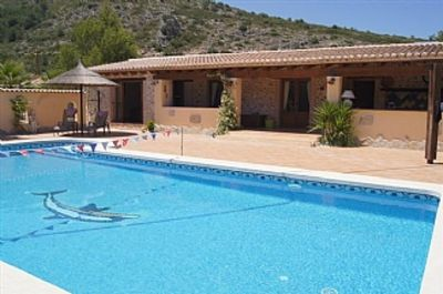 Photo for Luxury Accommodation Set In Beautiful Surroundings With Use Of Private Pool