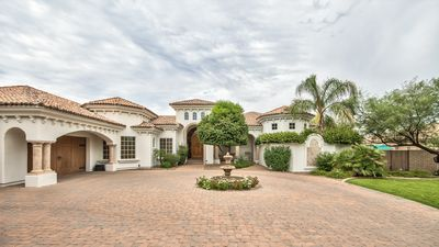 Photo for Coveted 4 Bed 6 Bathroom Home in Paradise Valley - Pool, Basketball & Grill- By PADZU