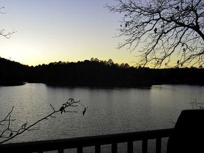 Photo for 3br/2ba on Lake Hamilton convienent to Oaklawn. (Can rent extra br and ba)