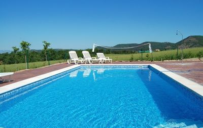 Enjoy life in the private swimmingpool
