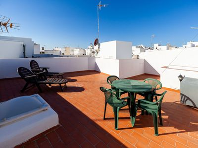 Photo for With huge roof terrace and sea view - Rincón de Kikote