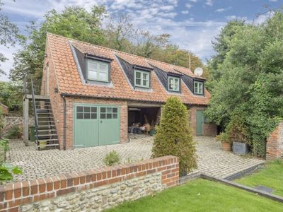 Photo for A beautiful and lovingly restored Grade-II listed, bite-size Tudor manor house