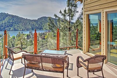A separate 200-square-foot deck offers stunning views of Lake Fernan.