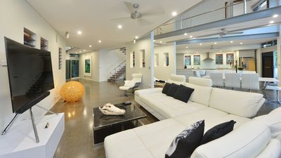 Absolute on Newell Beach Absolute beachfront Four bedrooms Close to Port Douglas