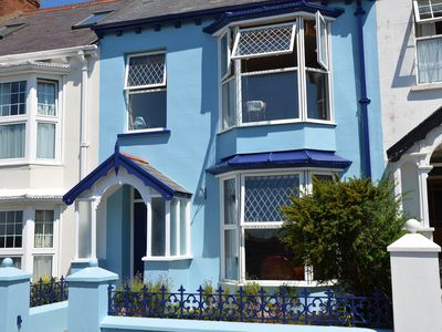Photo for Stylish & Spacious Townhouse With Sea Views, Garden & Parking by permit