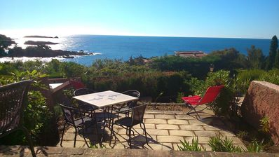 Photo for Bastidon 180 ° sea view, at the foot of the Esterel, calanques and sandy beaches