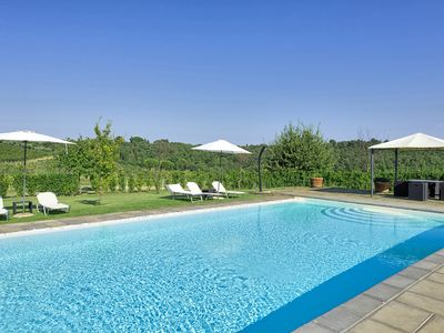Photo for Large, brand new apartment in farmhouse with swimming pool and air-conditioning