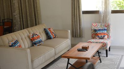 Stunning 1BR in Kinshasa Downtown, steps from the Gov building in Royal Gombe