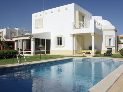 Photo for Typical villa with 4 bedrooms, pool, BBQ and wifi