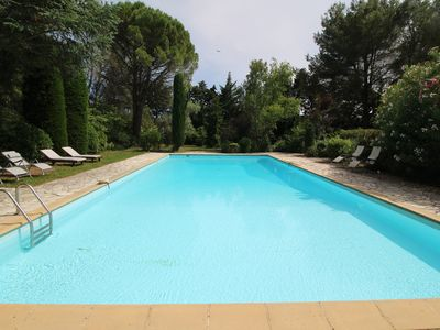 Photo for Beautiful land house in Noves near Avignon, private pool, pets allowed