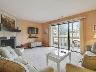Photo for 2 Bedroom/ 2.5 bath located in Golfmaster is part of the Shipyard Plantation!