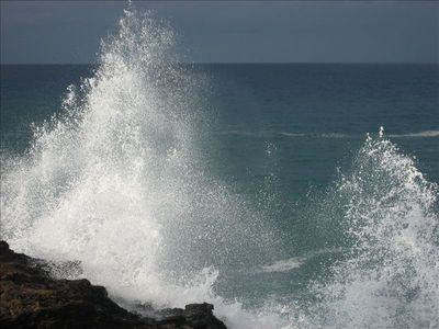 Spectacular waves can entertain you for hours!