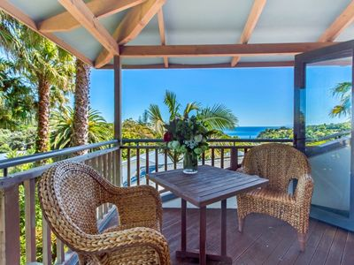 Photo for Have a wonderful time with friends and family all enjoying a fabulous location.