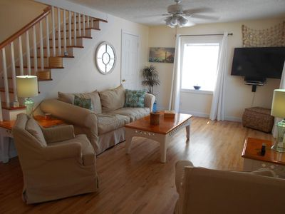 Photo for Very nicely decorated in beach decor only 2 blocks to the beach w/a private pool