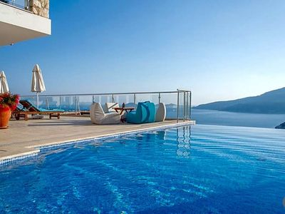Photo for 6 bedroom Villa, sleeps 16 with Pool and Air Con