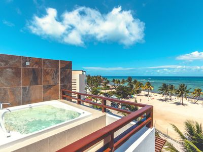 Photo for Heavenly Beachfront Ph with Striking Views - Nubes