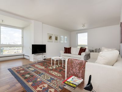 Photo for Spacious 2 bed flat with river views, Battersea, access to Kensington (Veeve)