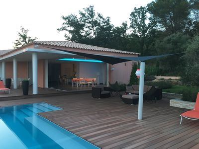Photo for Spacious villa in quiet heated pool 10 per