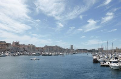 Photo for An ideal stay to discover the city its Calanques, the Sea and Provence