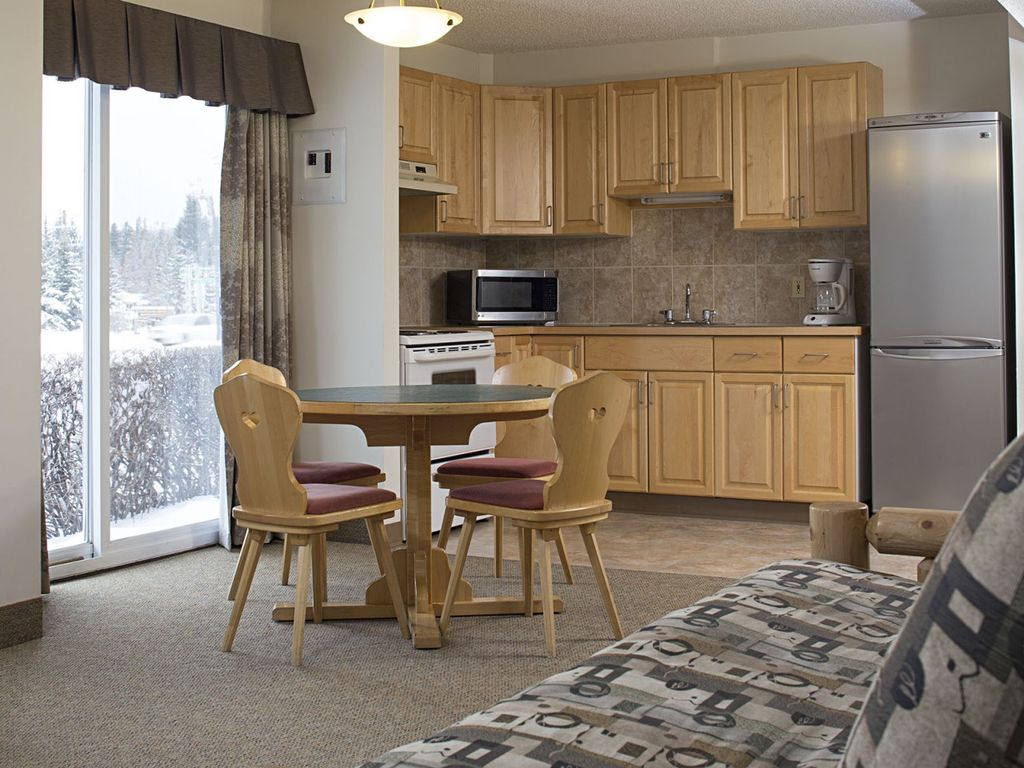 Rocky Mountain Ski Lodge Two Bedroom Apartment 151 Canmore Canadian Rockies Alberta
