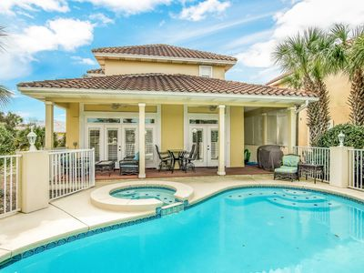 Photo for 3 Bedroom with private pool and golf cart