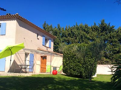 Photo for Apartment with garden in the heart of the Alpilles Paradou