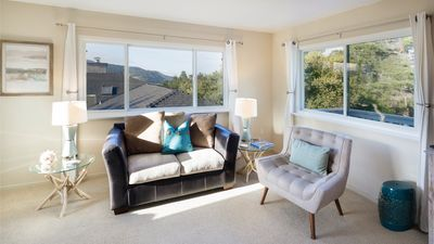Living room seating accommodates 6