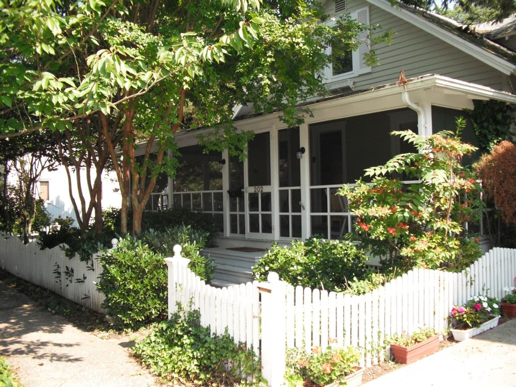 Top Performer Quintessential Historic Cottage Share South Rehoboth Beach De